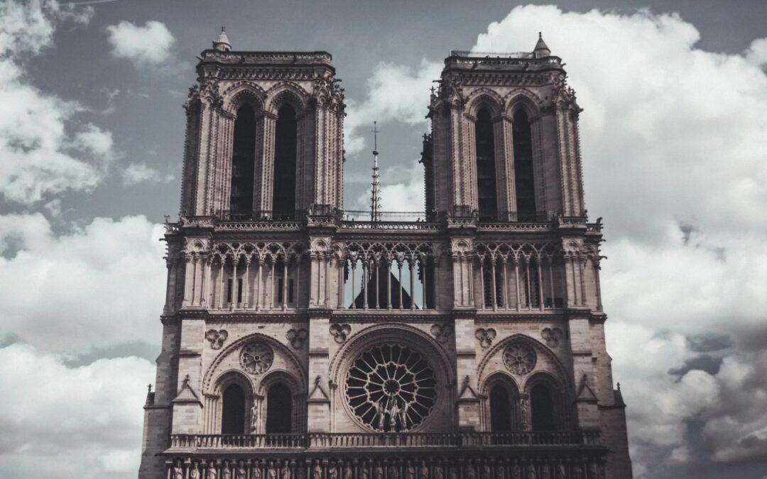 Met de Notre Dame in vlammen werd voor het eerst onze ontkerkelijking pijnlijk zichtbaar