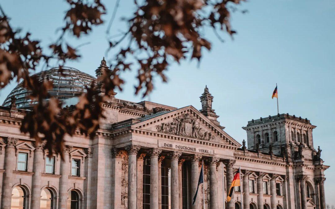Bang voor het volk? Berlijn gaat brede gracht graven om de Reichtstag