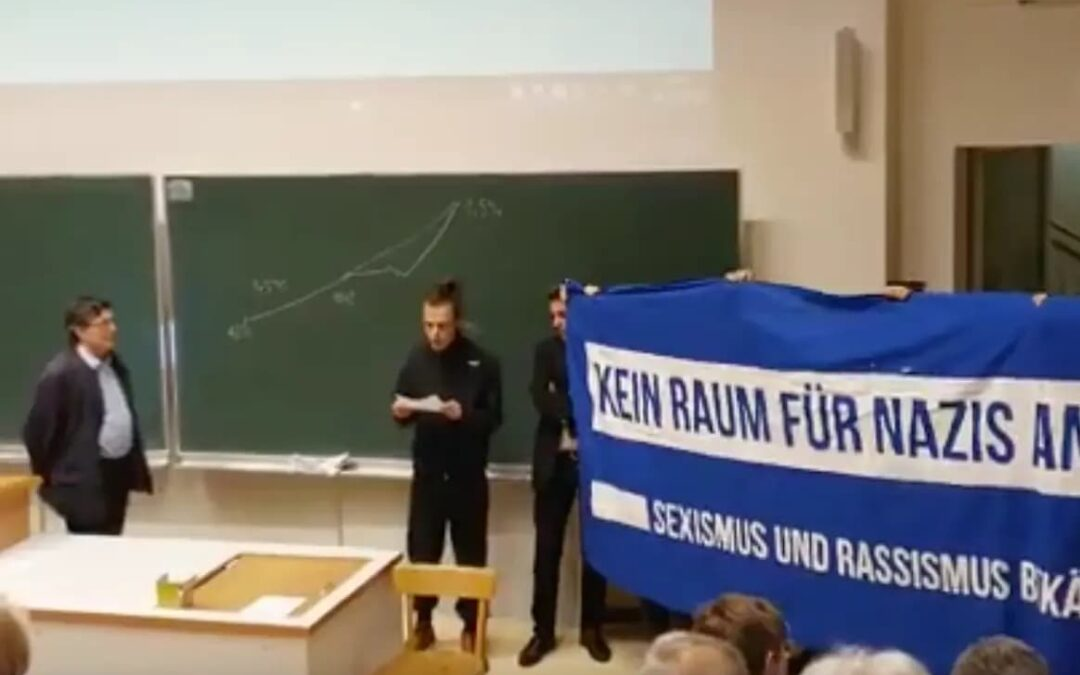 """Studenten lachen Antifa uit in collegezaal Wenen: """"Zijn jullie je tekst vergeten of wat?"""""""