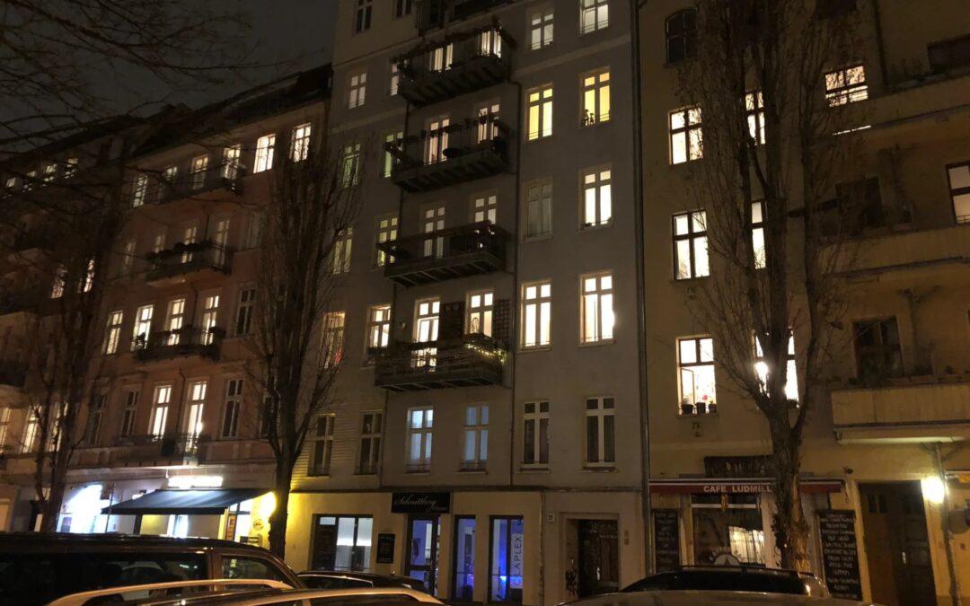 Verdere beperkingen van openbaar leven in Duitsland: bijna alles dicht, maximaal twee personen samen op straat